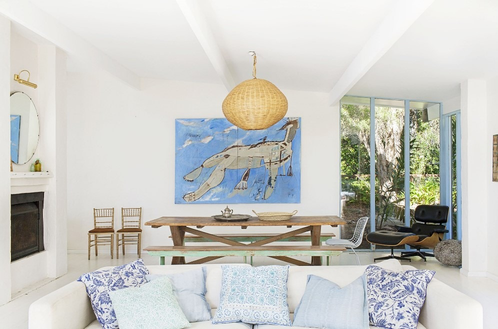 Eclectic Living Room Design with White Color onPalm Beach's House