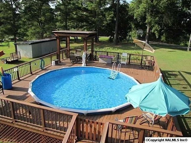 Above Ground Pool Ideas With Amazing Gathering Spot