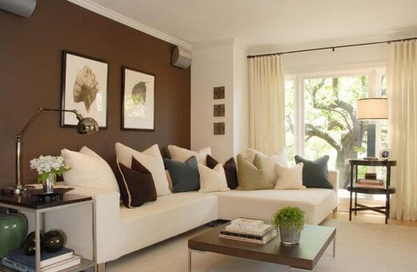 Darker accents wall ideas in a lighter room
