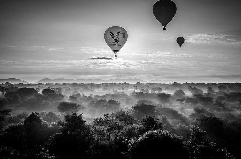 Shirren Lim – Balloons over bagan