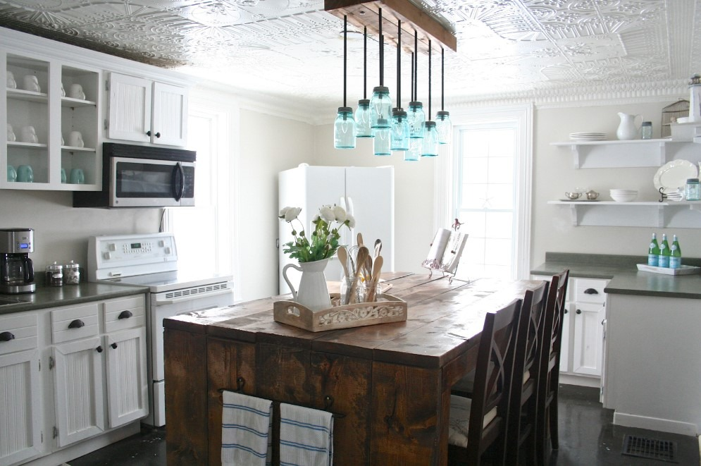 A Farmhouse Kitchen on A Budget