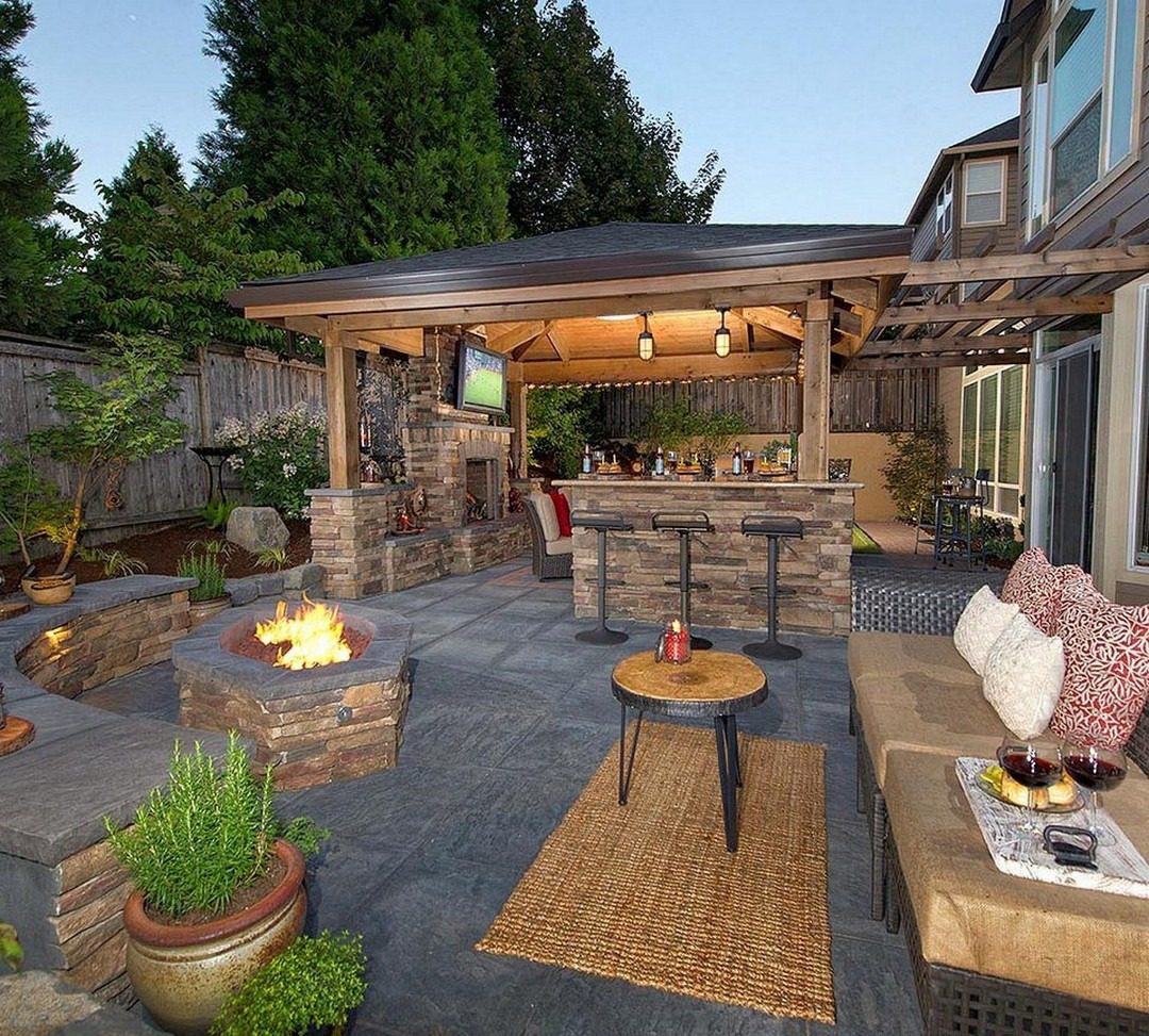 Backyard Outdoor Bar with Fire Pit