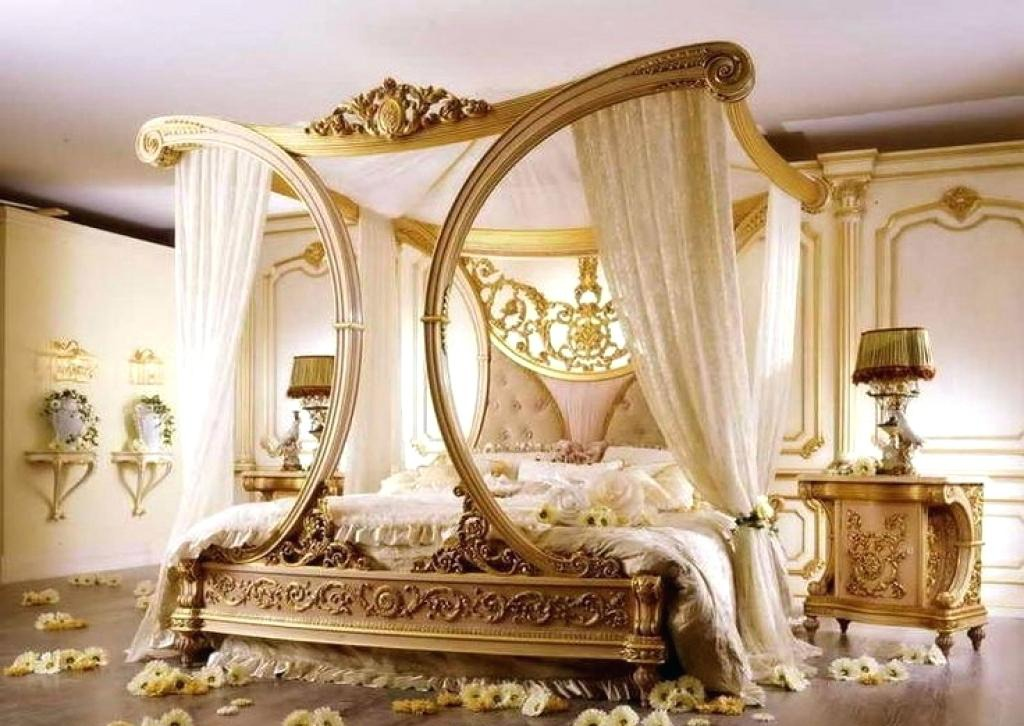 Luxurious Romantic Bedroom