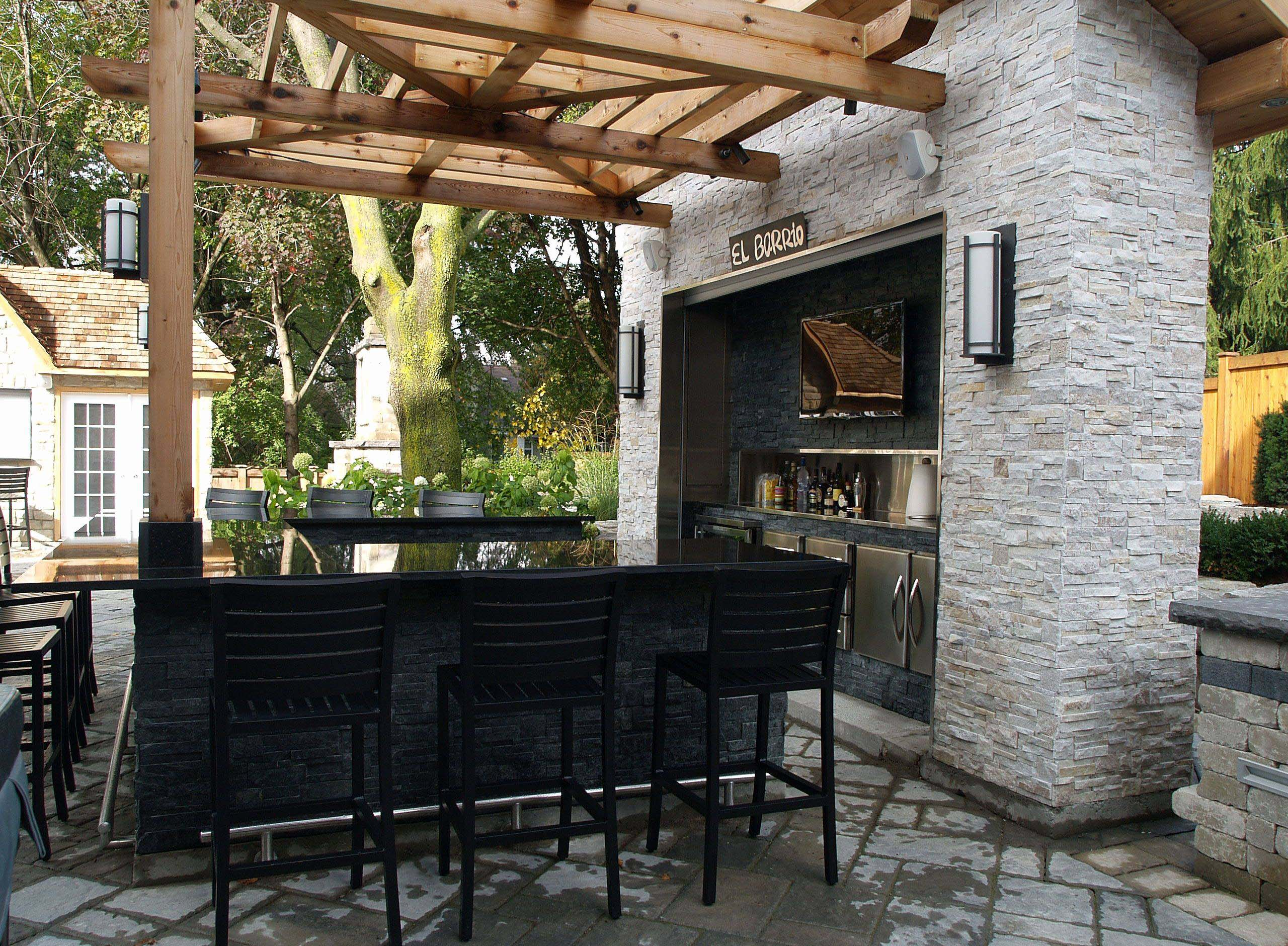 Wet Outdoor Bar